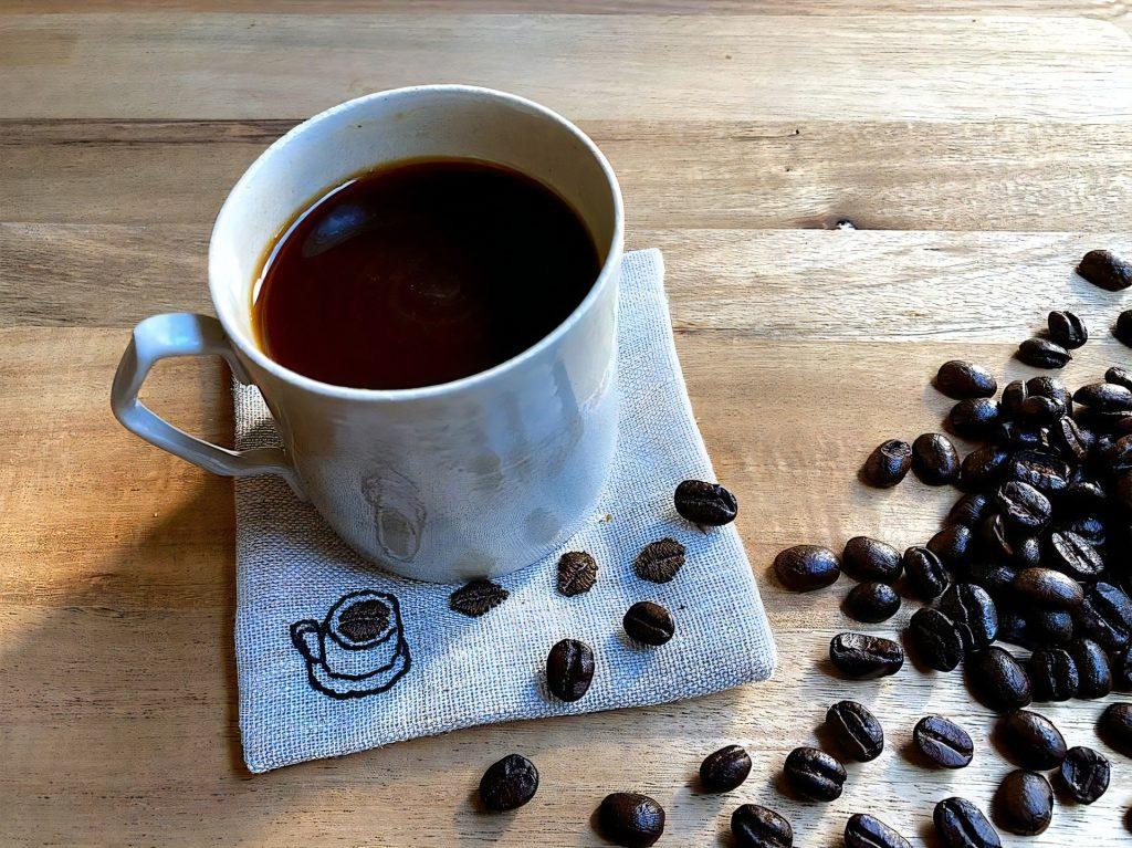 缶コーヒー、飲めば飲むほど眠くなる理由は「砂糖」にあり